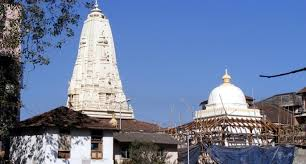 places to visit in mumbai - walkeshwar temple