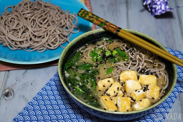 Sopa de miso con noodles