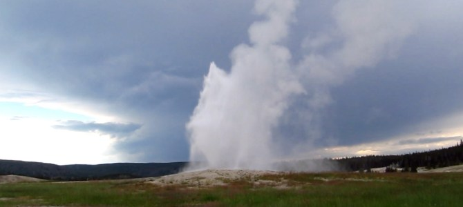 Old Faithful Geyser – #1 Attraction at Yellowstone?
