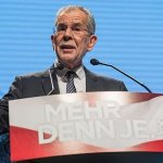 Il nuovo presidente austriaco Alexander Van der Bellen (ansa)
