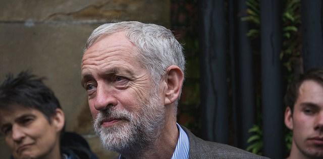 """Jeremy Corbyn rally: Newcastle says """"Jez we can"""""""