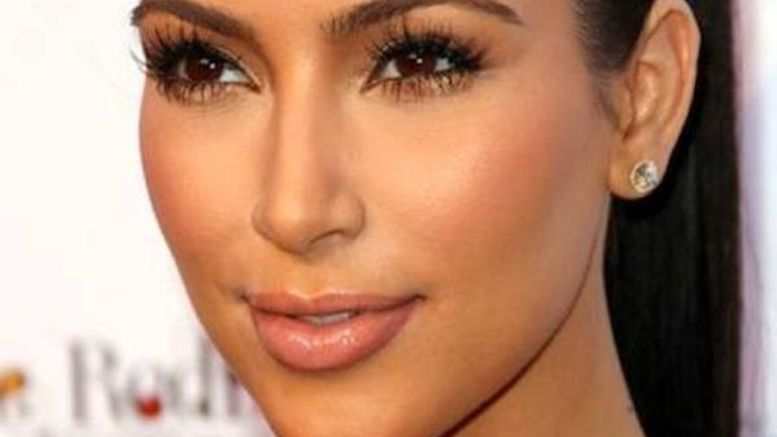 Kim-Kardashian_ELPIMA20150318_0005_3
