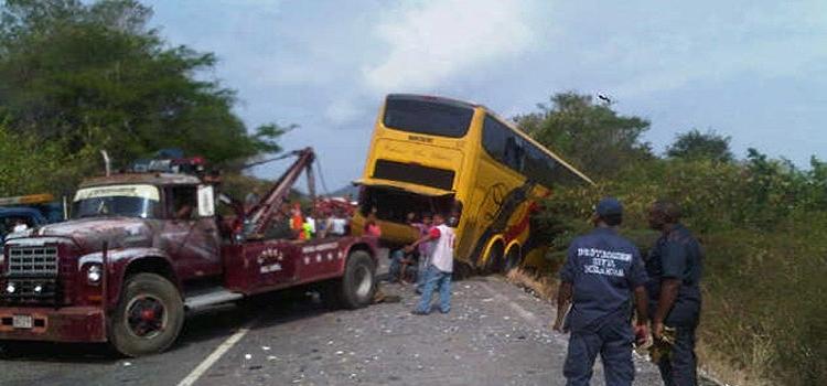 El terrible choque en la Troncal 9, tres fallecidos y 23 heridos (Listado)