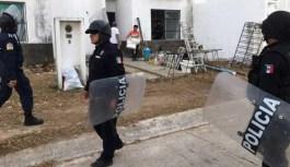 Desalojan a paracaidistas de fraccionamiento en Cancún