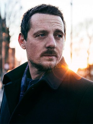 primary-An-Evening-with-Sturgill-Simpson---A-Sailor--s-Guide-to-Earth-1461163173