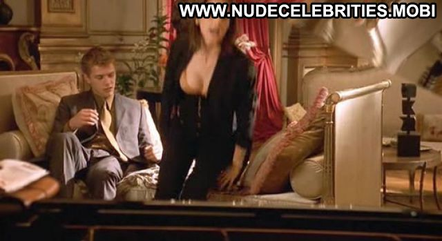 Sarah Michelle Gellar Nude Sexy Scene Cruel Intentions Babe
