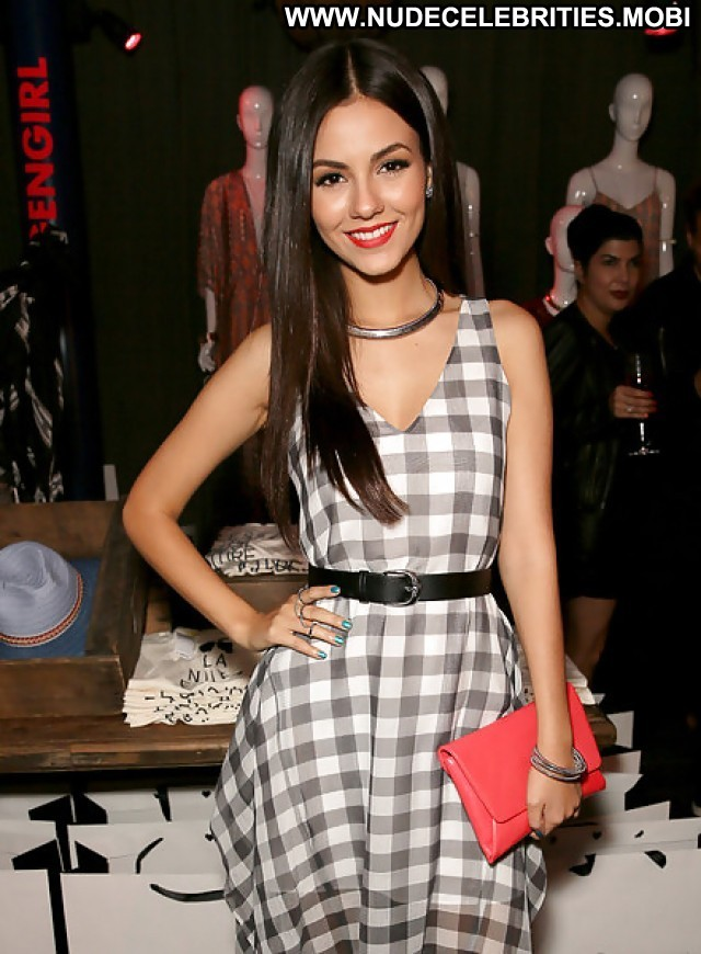 Victoria Justice Pictures Nylon Party Teen Celebrity