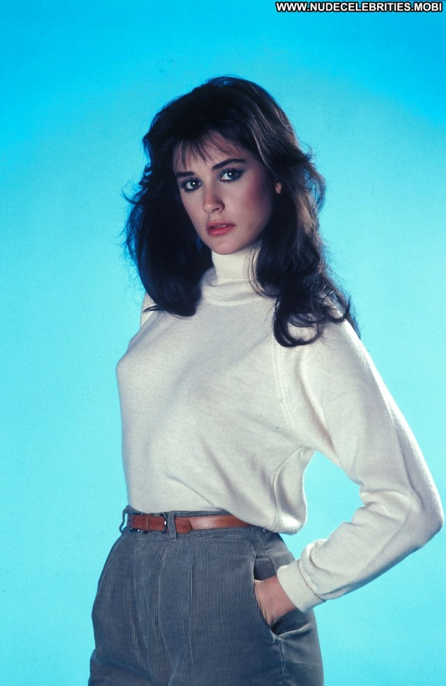 Demi Moore Pictures Brunette Babe Celebrity