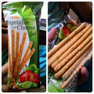 Biskitop Vegetable And Cheese Stick  : Seru Rasanya