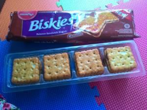 Biskies : Balanced Sandwich Biskuit Yang Renyah Sekali