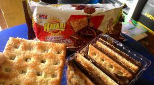Hatari Malkist Crackers Chocolate : Lebih Tebal Coklat & Biskuitnya