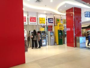 ATM apa saja yang terdapat di Rita Super Mall Purwokerto?