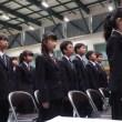 来賓席から…真新しい制服姿の中学一期生