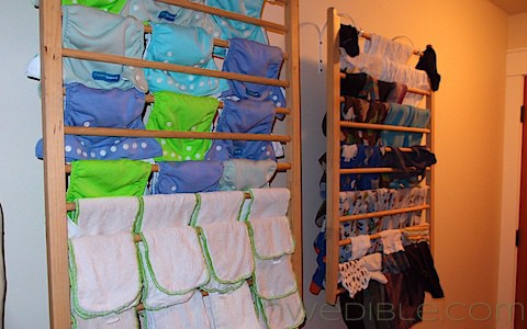 DIY Wall Mounted Clothes Drying Rack (5)