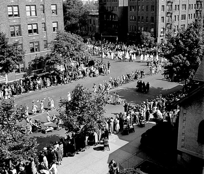 Anniversary Day of the Sunday School of the Church of the Good Shepherd. Brooklyn. Photo: Howard Hollem/U.S. Farm Security Administration/Office of War Information/Library of Congress