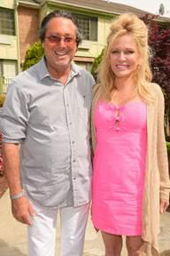 Larry Wohl, Leesa Rowland (Photo Credit- Rob Rich:SocietyAllure.com)