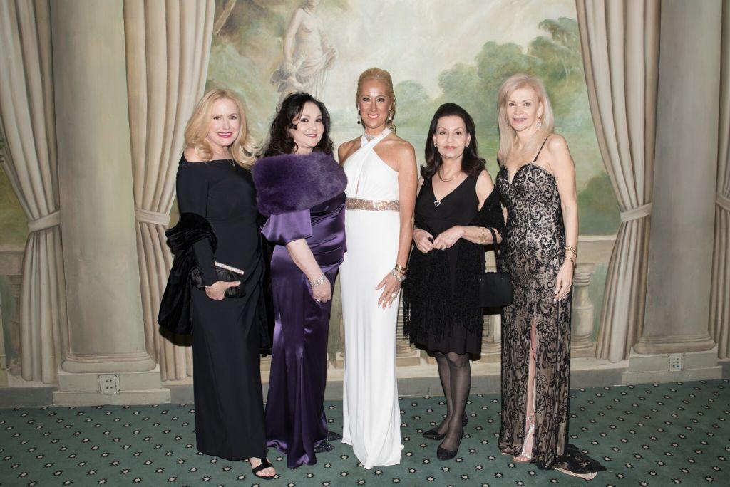 Karen King, Bernadette Milito, Francesca Braschi, Emily Puzio, Mary Ann Mastroianni_Credit Annie Wat