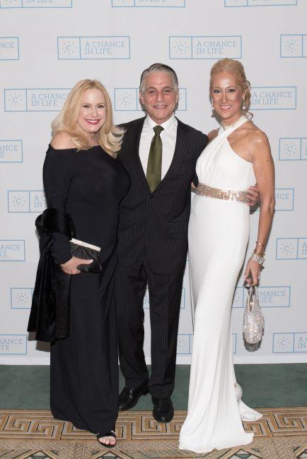 Karen King, Tony Danza,Francesca Braschi_Credit Annie Watt