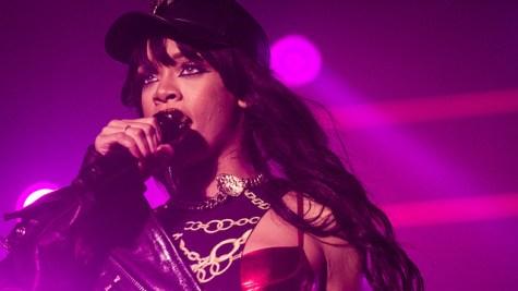 Rihanna is planning to visit NYU