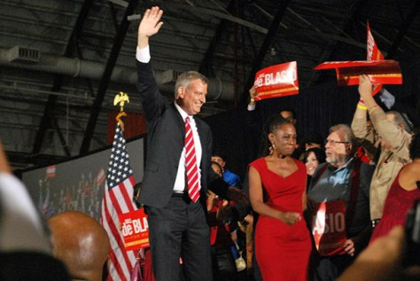 De Blasio begins first mayoral term with focus on snowstorms, taxes