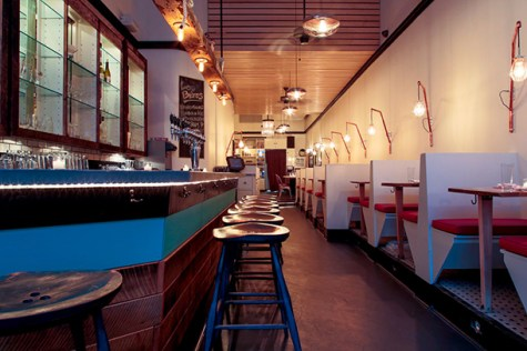 L&W Oyster Company features classic seafood favorites in cozy environment