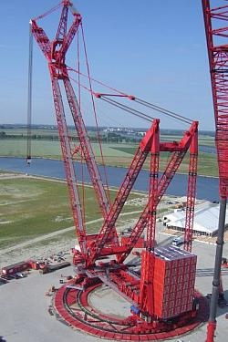 High yield steel to S690QL1 made this Mammoet crane possible