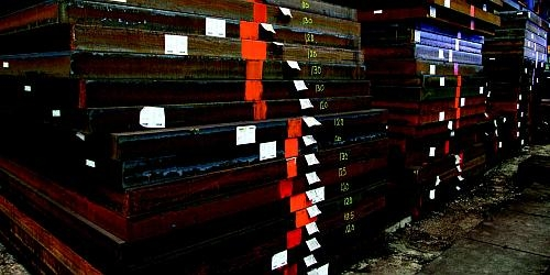 Singapore Steel supplier keeps heavy steel plates in stock