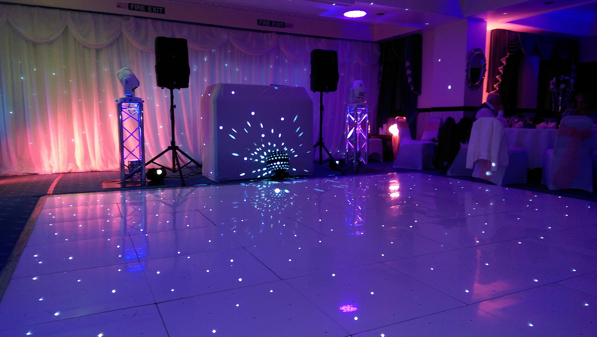 Obsession_entertainment_wedding_photography_wedding_dj_wedding_disco_drapes_lighting_equipment_higher_childrens_party-0068