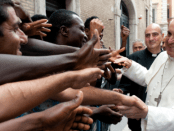 2014.04.pope_francis_with_refugees