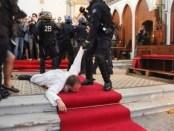 priest-france