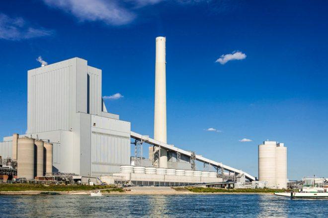 Termelétrica de Mannheim, Alemanha, que depende de água do rio Reno. Foto: Alstom