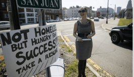 Woman Hands Out Resumes On The Streets, Gets Offers