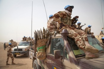 The U.N. mission in Mali (MINUSMA) is supported by U.S. drones. Photo: Chadian UN peacekeepers patrol the area outside the Chadian Base where the military delegation from Bamako is meeting with Commander of Chadian UN peacekeepers Gen. Moussa in Tessalit, North of Mali (Marco Dormino / MINUSMA).