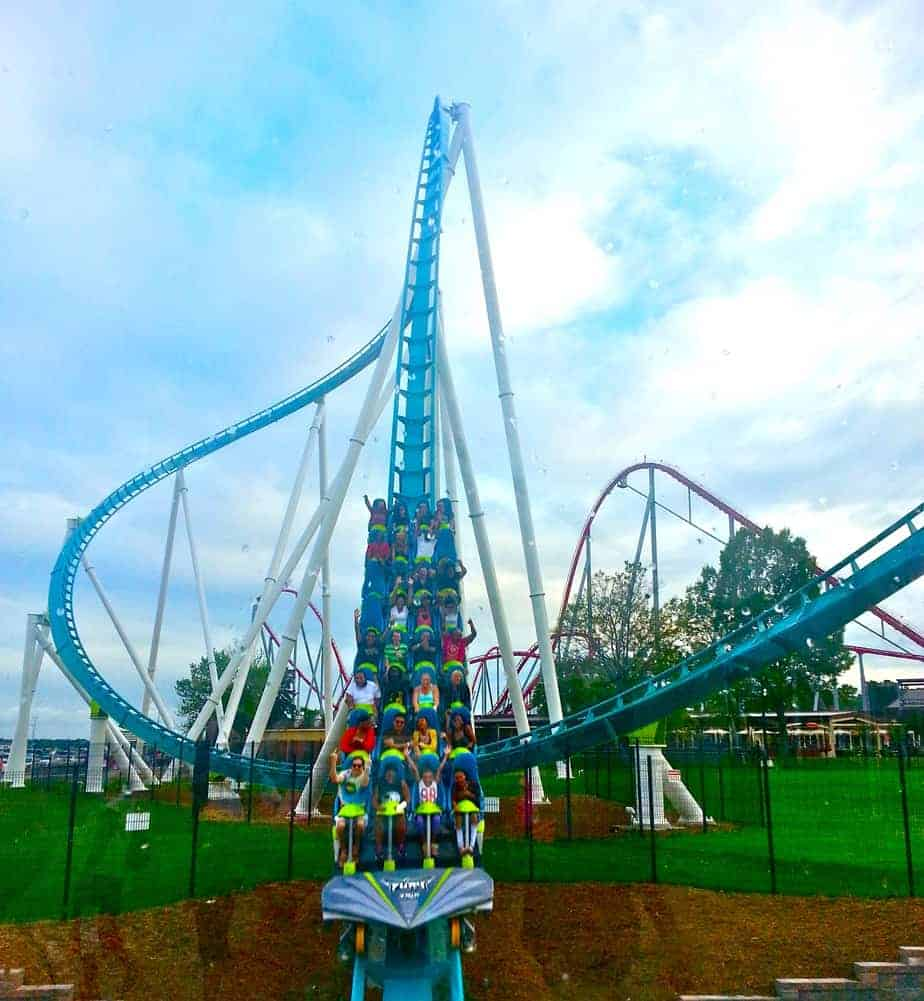 Carowinds is the place where the Carolinas come together. Located off I (Exit 90) at the NC/SC border, the premier entertainment destination of the Carolinas touts world-class thrill rides, live entertainment, delicious dining options, immersive events and more.
