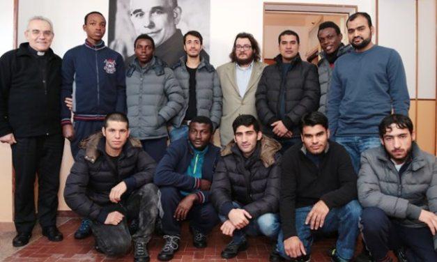 Tortona, i profughi pronti ad aiutare la Croce Rossa sulla raccolta materiali per i terremotati del centro Italia