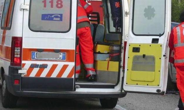 Incidente frontale a Viguzzolo feriti un giovane e una donna