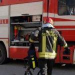 Maxi incendio in una cascina a Torregarofoli