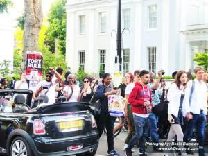 Cars beep in solidarity