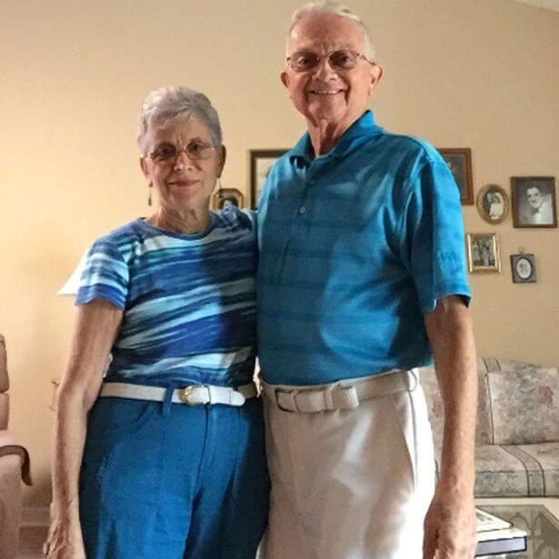 Grandparents matching clothes