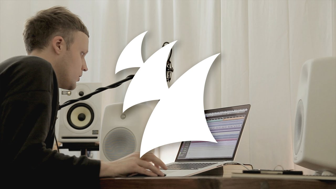 Jan Blomqvist explains album 'Remote Control' in the studio