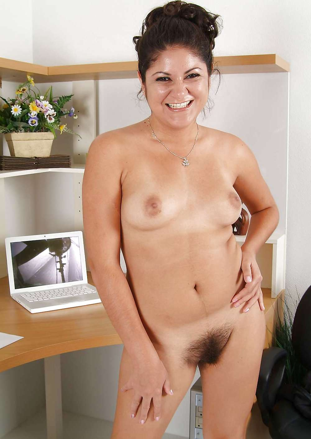 amature girl rides cock and cums on it