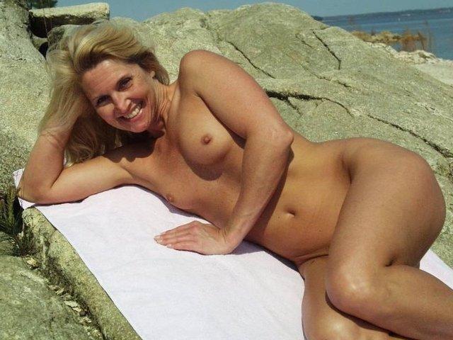 beverly d angleo naked