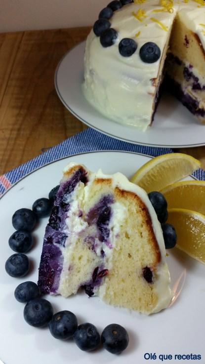 pastel de limón y arándanos