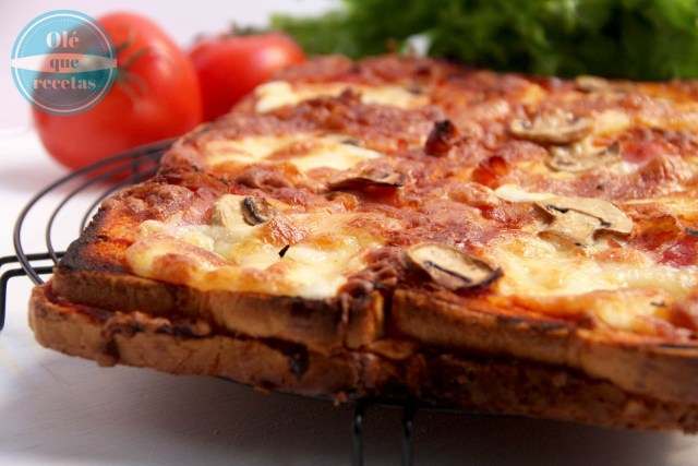 Pizza de pan de molde