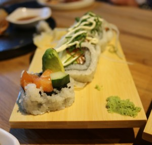 Yokocho - Salmon & avocado roll