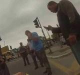 Homem filma roubo da própria moto e assaltante sendo baleado
