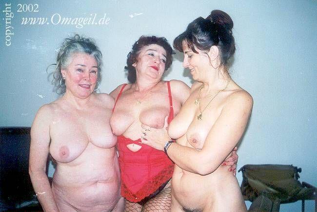 sexy oktoberfest nude