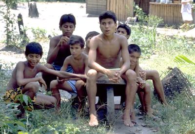 ninos de 12 anos desnudos