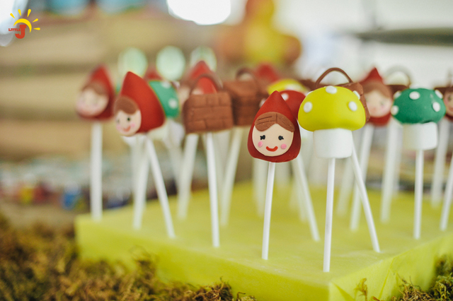 Little Red Riding Hood Birthday Party - 22