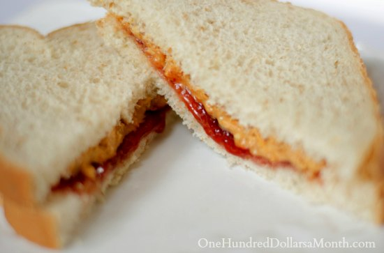how to make a good peanut butter and jelly sandwich